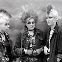 3 Punk girls, King's Rd, London, 80s ST#400