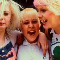 3 Punk/Skinhead girls on the King's Rd ST#71
