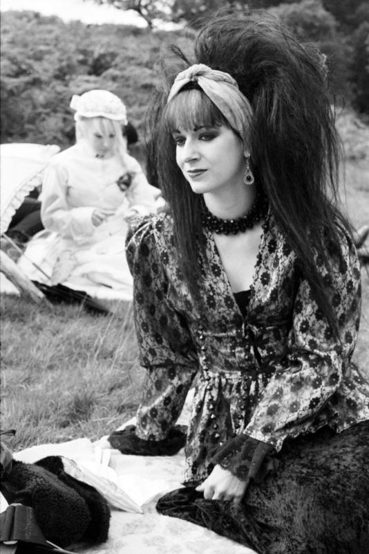 Pandora Harrison, Goth picnic on the moors, 1992 ST#260